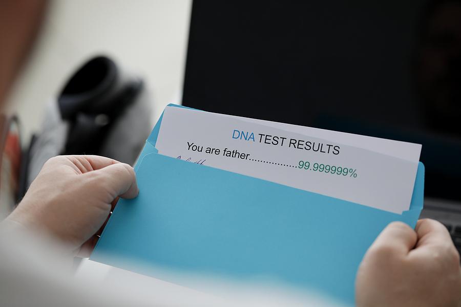 Vaderschapstest: hoe gaat dat in z'n werk?